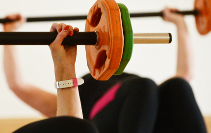 7 reasons why women should lift weights